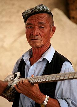 SilkRoadUyghurMusician350