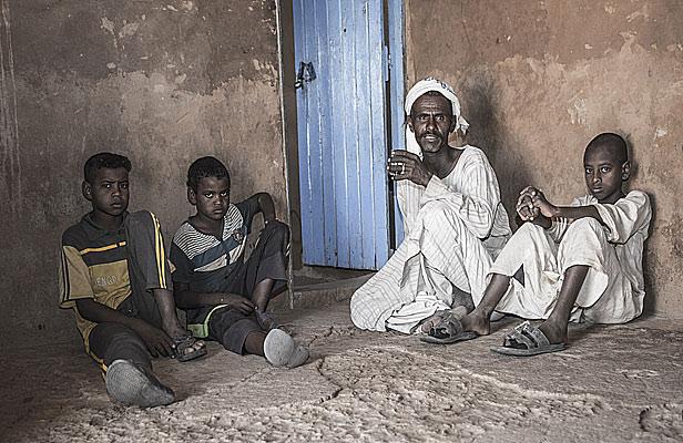 SudanRestaurantManBoys