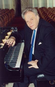ERP artist Vardo Rumessen. Piano